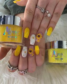 Spring nail polish trends for 2019 function a lot of neuter nails, muted pink nails, and even metallic and neon nails. >>> Learn more by visiting the image link. (This is an affiliate link) Ballerina Acrylic Nails, Summer Acrylic Nails, Best Acrylic Nails, Yellow Nails Design, Yellow Nail Art, Pink Nails, My Nails, Neon Nails, Sunflower Nail Art
