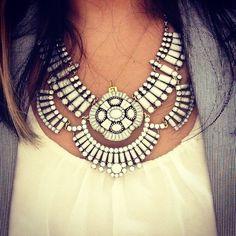 Amazing statement necklace. Love it #NaaiAntwerp