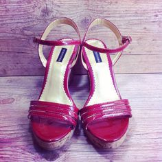 Anabela belíssima Emporionaka ♥♥♥ tamanho 36 #garimperia #online #comprinhas #sapatos #brechó #anabela #temnosite #love #lookdodia