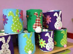 Afbeeldingsresultaat voor paasmandjes knutselen Easter Games, Easter Baskets, Easter Crafts, Baby Kids, Diy Crafts, Deco, Easter, Recycling, Daycare Ideas