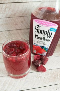 Simple Mixed Berry Punch Recipe - A Mom's Take Red Punch Recipes, Alcoholic Punch Recipes, Simple Fruit Punch Recipe, Alcoholic Beverages, Holiday Punch, Holiday Drinks, Holiday Recipes, Christmas Cocktails, Christmas Appetizers