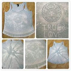 Einfaches Shirt, Upcycling mit Bleichmittel Javel (dm), Zahnbürste, Pinsel, Pumpsprüher und Schablonen/Spitze und Schnüre