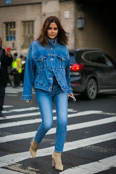 New York Fashion Week Fall 2017 Street Style: Christine Centenera in Denim Street Style 2017, Street Look, Street Chic, Fashion Week, Fashion 2017, New York Fashion, Winter Fashion, Style Fashion, Ladies Fashion
