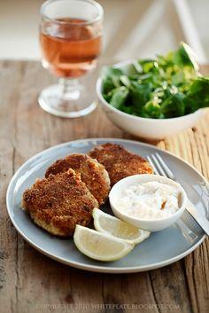 kotlety z wedzonej ryby i ziemniaków