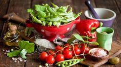 Рассказываем, какие овощи посеять в огороде весной, чтобы полакомиться плодами своих трудов уже в мае – первой половине лета. Ничто не сравнится с тем чувством, когда вы впервые подаете к столу первую...