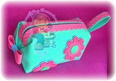 FoamiArte y Decoraciones Dayis: CARTERITAS EN FOAMI O GOMA EVA Foam Crafts, Diy And Crafts, Crafts For Kids, Diy Pencil Case, Barbie Party, Ideas Para Fiestas, Mini Albums, Creative Art, Picsart