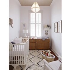A love a good nursery with midcentury modern overtones. I picked this one to use as an inspiration image for the midcentury modern rocker #lookforless featured on the blog today. Wouldn't it look great in here? BTW $2350 vs $210! Steal alert! @charlestonmag #lookalike #lookforless #CopyCatChic #homefinds #interiorsinpo #nursery #interiors #interiorsinpo #interiordesign #designforless #CopyCatChic