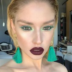 """Isabelle De Vries on Instagram: """"Taking it way back to this coloured lash look in 2018😱 my obsession with coloured lashes started way back 😂... love this look from my 2018…"""" Bright Makeup, Colorful Makeup, Neon Eyeshadow, Viva Glam, Daily Makeup, Creative Makeup, False Eyelashes, Makeup Yourself, Beauty Makeup"""