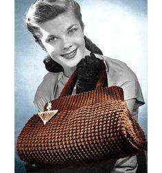 Crocheted Doctor Bag Purse Vintage Pattern- I NEED this pattern Crochet Handbags, Crochet Purses, Crochet Bags, Vintage Crochet Patterns, Vintage Knitting, Vintage Purses, Vintage Handbags, Look Vintage, Purse Patterns