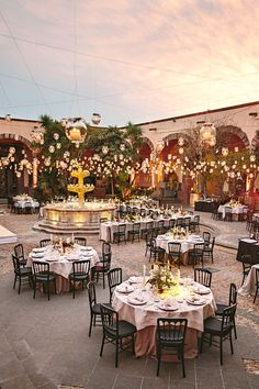 Getting the Perfect Wedding Cake – LivingWedding Mariachi Wedding, Charro Wedding, Spanish Style Weddings, Spanish Wedding, Hacienda Wedding, Hacienda Style, Courtyard Wedding, Courtyard Entry, Courtyard Design