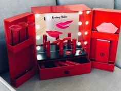 Skincare Packaging, Cosmetic Packaging, Beauty Packaging, Cool Packaging, Luxury Packaging, Tea Packaging, Giorgio Armani Beauty, Makeup Package, Cosmetic Display