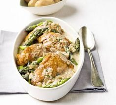 Flambéed chicken with asparagus. An elegant spring dinner party dish that looks and tastes very special. Perfect with new potatoes Bbc Good Food Recipes, Dinner Recipes, Cooking Recipes, Healthy Recipes, Simple Recipes, Party Recipes, Meal Recipes, Gourmet Recipes, Chicken Asparagus