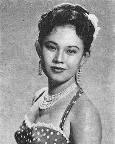 Netty Herawaty was an Indonesian actress who made more than fifty films between 1949 and 1986. Born in Surabaya, one of her famous film was Lewat Djam Malam. #actress #indonesian #actor #aktris #female #film #indonesia