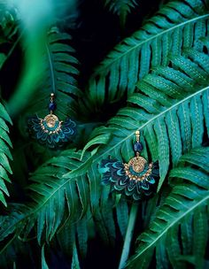 Incredibly The current fashion: Exoticism exoticism of Gas Bijoux - Women's Jewelry and Accessories-Women Fashion Photo Jewelry, Jewelry Art, Jewelry Accessories, Fashion Jewelry, Jewelry Design, Women Jewelry, Jewellery, Feather Jewelry, Rose Gold Jewelry