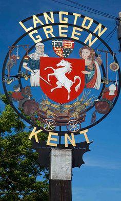 Kent United Kingdom, Old Pub, English Village, Pub Signs, Decorative Signs, Signage Design, Street Signs, Vintage Travel Posters, Diy Party