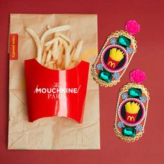 Playful, creative, pop, elegant and fun Chic'n Chips earrings. Handmade in France piece by piece. Get them for worldwide delivery from mouchkine-jewelry.com  #mouchkinejewelry #popart #earrings #jewelry #fashionart #fashionartist #pop #mcdonalds #fries #creativity #fashiondesign #colorful #playful #sophisticated #mode #bijoux #bouclesdoreilles #bijouxcreateur #lookoftheday #statementearrings #kitsch #chic #fashionable #womanstyle #trendy #madeinfrance Mcdonalds Fries, New Chic, Fashion Art, Fashion Design, I Love Jewelry, Wow Products, Have Some Fun, Kitsch, Luxury Branding