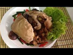 Fried 5 Seeds Stuffed Pig's Stomach Recipes. กระเพาะหมูยัดไส้โหงวก๊วย - YouTube