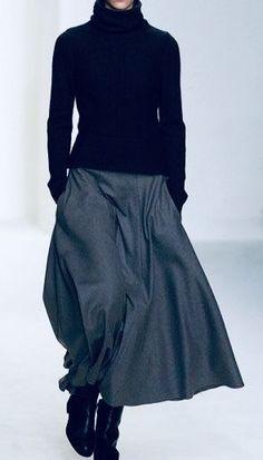 black long sleeve shirt and grey skirt = comfort - Mode für Frauen Mode Outfits, Winter Outfits, Casual Outfits, Fashion Outfits, Womens Fashion, Fashion Fashion, Club Outfits, Simple Outfits, Looks Chic