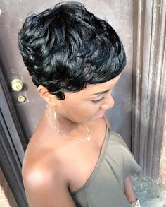 Beautiful cut @hello.lyssa  Read the article here - http://blackhairinformation.com/hairstyle-gallery/beautiful-cut-hello-lyssa/