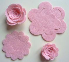 Baby pink felt 3D flowers to make up yourself. Ideal to decorate bags, cards etc