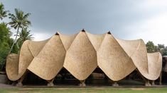The Arc at Green School by Ibuku is the winner of the Dezeen Awards 2021 public vote in the sustainable building category. Bamboo Architecture, Organic Architecture, Parametric Architecture, Beautiful Architecture, Architecture Design, Carlo Scarpa, Nagano, Taipei, Green School Bali