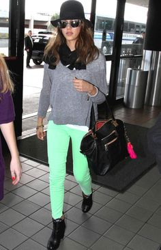 Jessica Alba does mint neon with style - everything else on the lo fi