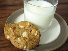 Flourless white chocolate peanut butter cookies. A dessert you can enjoy without a guilty conscience. #Flourless #Cookies Healthy Food For Living | University of Phoenix