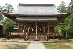 Izushi jinja (出石神社) is a Shinto shrine located in the west of Toyooka in Hyōgo Prefecture in Japan