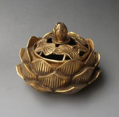 Details about Chinese old brass carved lotus flower Incense Burner Censer Silver Pooja Items, Incense Cones, Incense Holder, Pottery Designs, Incense Burner, Bohemian Decor, Lotus Flower, Decorative Bowls, Tea Pots