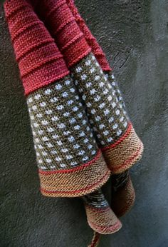 checks and ridges and colours, like for a shawl or scarf pattern