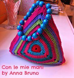 Con le mie mani by Anna Bruno: Borsina granny crochet