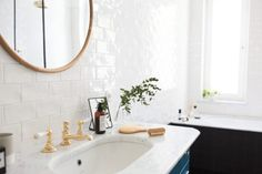 Make Life Easier Relaxing Bathroom, Ideal Bathrooms, Empty Spaces, Slow Living, Round Mirrors, Bathroom Interior, Building A House, Build House, Decorating Your Home