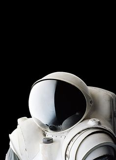 A minimal spaceperson.