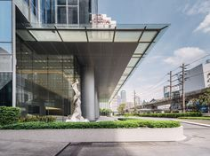 AIA Sathorn Tower by Steven J. Leach Architects, photo: Chaovarith Poonphol