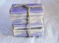 #Jabonartesanal Jabón aromático artesanal - Marmolado. El aroma escogido es la fragacia a #Fresa. Jabón aromático, Jabón artesanal, Jabón decorativo - Precio: 7 euros