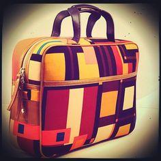 Modjo Bag / 80% fabric, 20% leather I Exclusive bag by Bashioma, graphic designed for urban fashion aficionados.