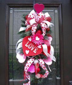 Valentine Wreath - Really cute!