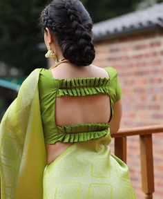 Blouse Back Neck Designs, New Saree Blouse Designs, Simple Blouse Designs, Stylish Blouse Design, Bridal Blouse Designs, Brocade Blouse Designs, Sari Design, Frock Design, Designer Blouse Patterns