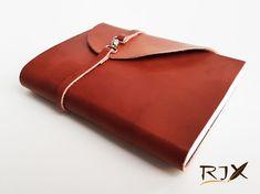 35 LEI | Jurnale handmade | Cumpara online cu livrare nationala, din Timisoara. Mai multe Papetarie in magazinul Rix pe Breslo.