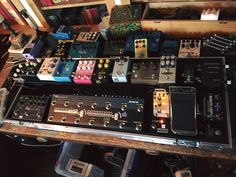 Studio Pedalboard for Noel Gallagher - Effects Bay Guitar Pedal Board, Guitar Rig, Guitar Shop, Guitar Effects Pedals, Guitar Pedals, Types Of Guitar, Noel Gallagher, Pedalboard