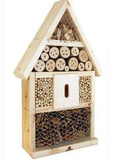 hyönteishotelli pihan pikku hyödyllisille asukeille myynnissä Esbaussa