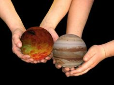 Ideas for a Solar System Project New Science Project, Mars Project, Planet Project, School Science Projects, Science For Kids, 3d Solar System Project, Build A Solar System, Solar System Projects For Kids, Solar System Diagram