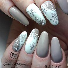 A imagem pode conter: uma ou mais pessoas e close-up Picture could contain: one or more persons and close-up Fabulous Nails, Perfect Nails, Cute Nails, Pretty Nails, Swirl Nail Art, Gel Nagel Design, Nails Only, Nagel Gel, Flower Nails
