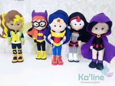Kit Super Heroínas - Bonecos em Feltro no Elo7 | Kaline - Artesanato em Feltro (E933CE) Batgirl, Wonder Woman Party, Dc Super Hero Girls, Ladies Party, Felt Crafts, Ladybug, Fictional Characters, Sewing Dolls, Key Fobs
