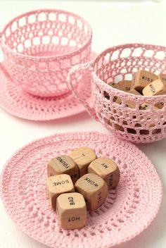 Pink tea cup crochet Knit Or Crochet, Crochet Bowl, Cute Crochet, Crochet Doilies, Thread Crochet, Crochet Art, Tatting, Crochet Decoration, Crochet Accessories