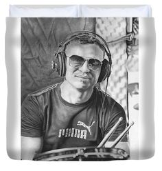 Drawing Duvet Cover featuring the drawing Joseph The Drummer by Michal Straska