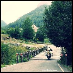 Manch holprige Brücke galt es nach #Vermosh #Albanien zu überwinden. Blog folgt bald.Some bumpy bridges to cross on our way to #Vermosh valley in #Albania. Blog post if following soon.#motorrad #motorbike #motorcycle #tour #bmw #makelifearide #spiritofGS #F800GS http://ift.tt/2k5kvwT