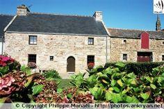 Habitations anciennes, Lampaul (Ile d'Ouessant, Bretagne)