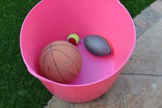 Why do balls bounce? Use different shaped balls to investigate how and why balls bounce differently Balls to use: Rugby ball Football Tennis Ball Ping pong
