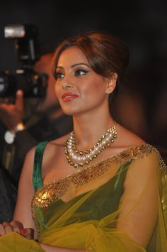 designer Jewellery Bengali Actress Photographs PRIYANKA CHOPRA PHOTO GALLERY  | PBS.TWIMG.COM  #EDUCRATSWEB 2020-06-07 pbs.twimg.com https://pbs.twimg.com/media/EZwf7XzWsAAKQYY?format=jpg&name=medium